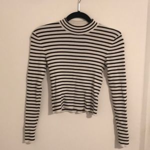 H&M striped crop sweater size small🔥